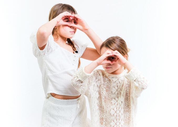 photo famille studio fond blanc