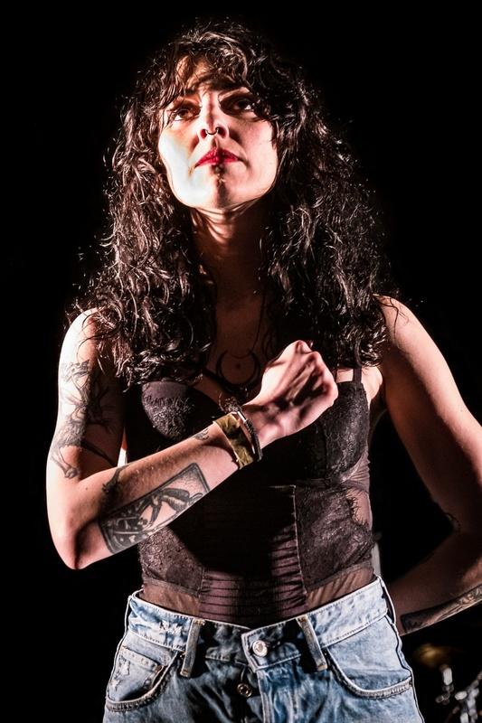 portrait femme rock'n'roll